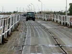 Pontonbrücke in Astrachan